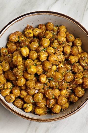 Ultimate Cripsy Roasted Chickpeas